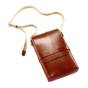 BROOKS SOHO LEATHER SHOULDER BAG (HONEY)