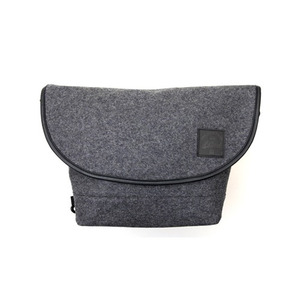T-LEVEL Wool Compact Messenger Bag (그레이))