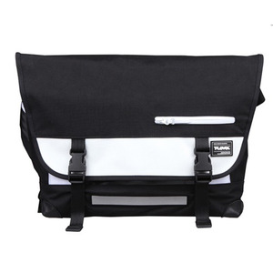 T-LEVEL Messenger Bag (블랙/화이트)